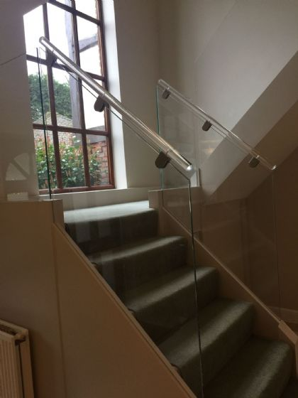 Acrylic Perspex Staircase Hand Rails And Curtain Poles